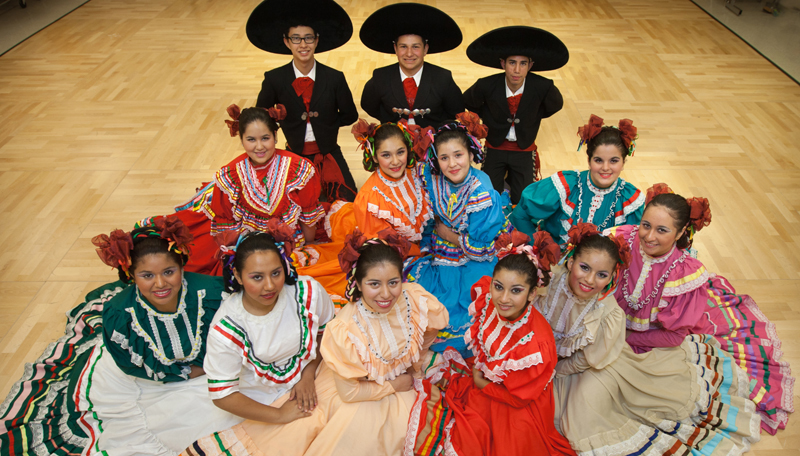 Folklorico Students